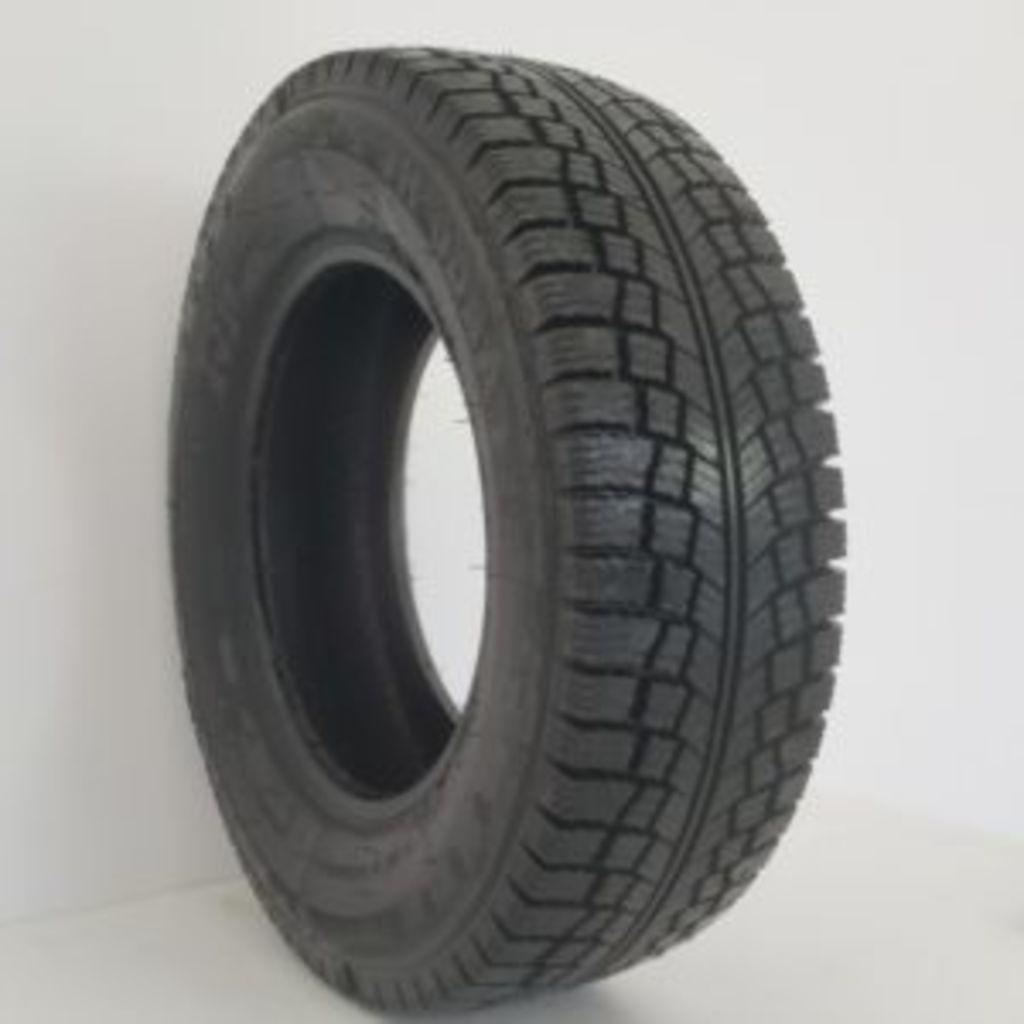 Anvelopă Pneu Vranik 23565R16C (1)